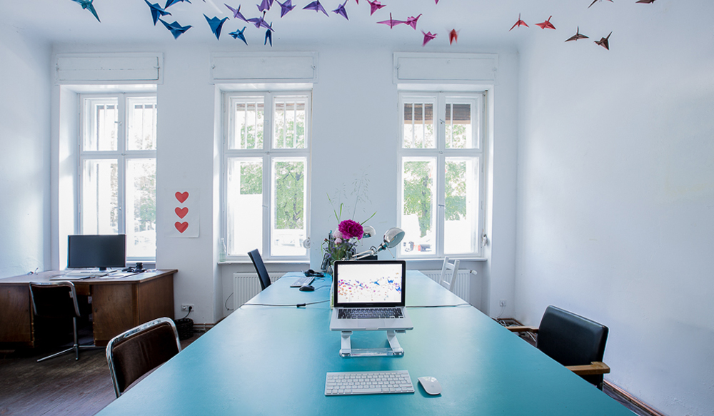 Weserland_Coworking_blue_whale_fixed_desks_berlin_neukoelln